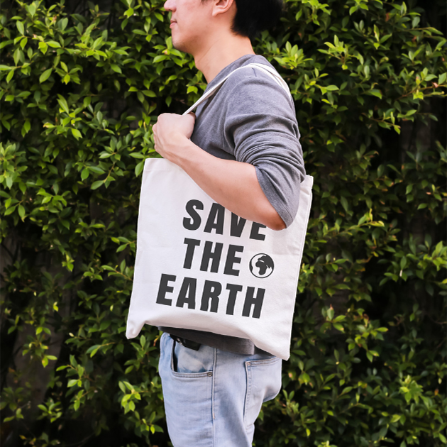 Consumer with reusable bag square